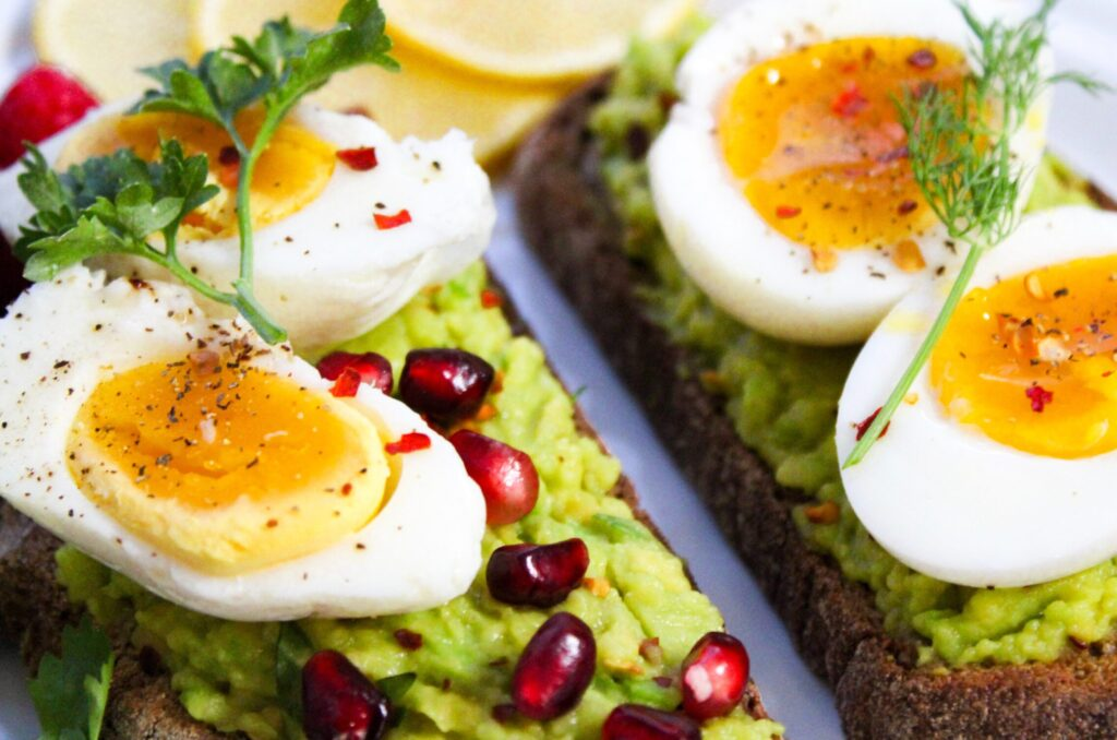 Healthy fats in eggs and avocado